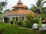 masjid sekolah JAMI' AT-TARBIYAH, hmmm [lagi direnovasi sekarang]